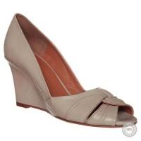 Smėlio spalvos odiniai aukštakulniai bateliai Taupage